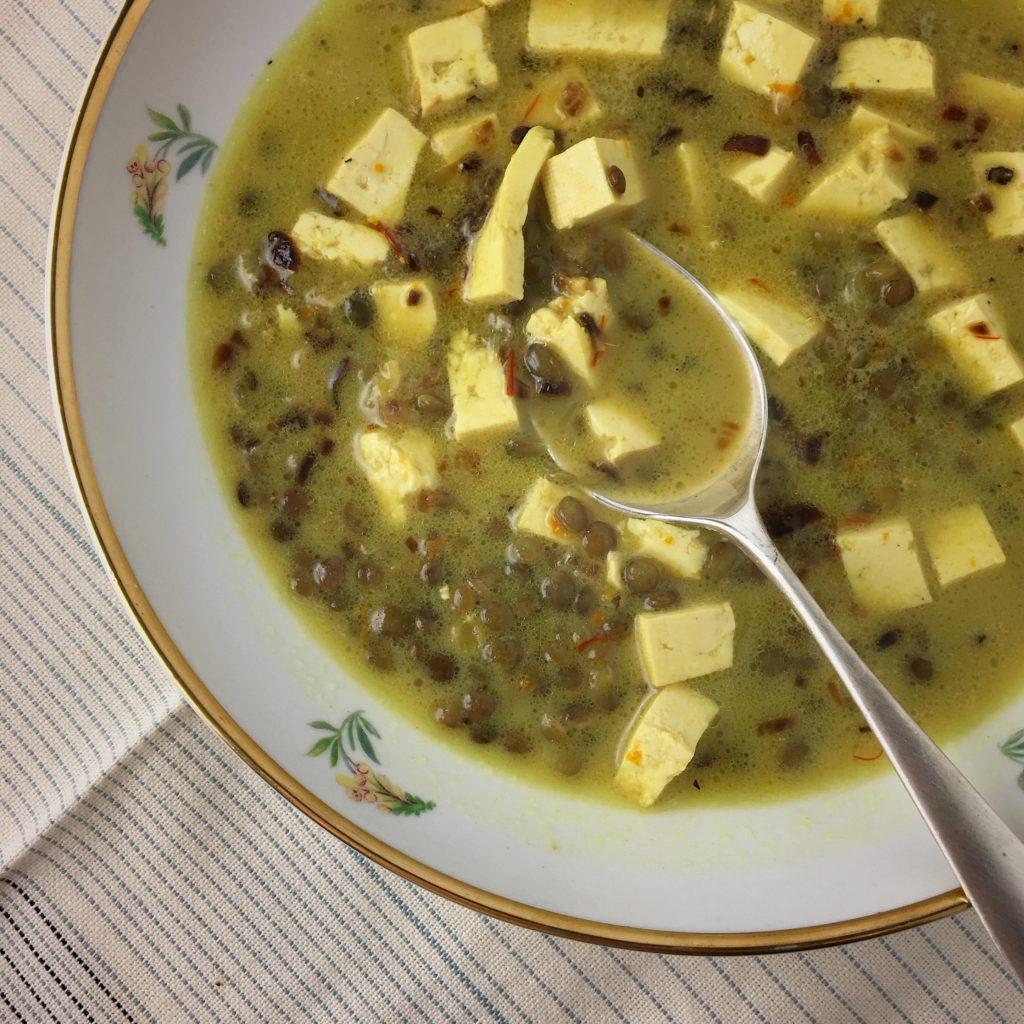 lentil soup | asavoryplate.com
